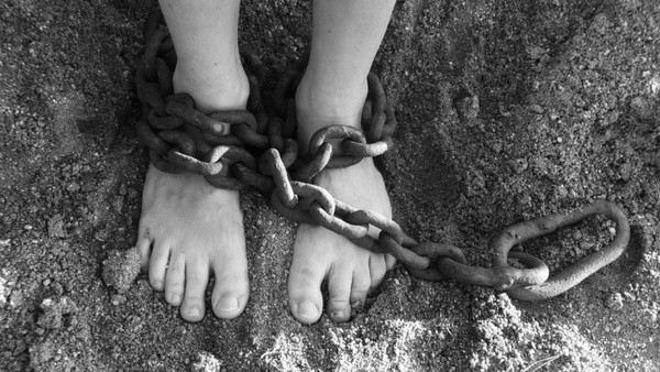 feet_in_chains_199358.jpg